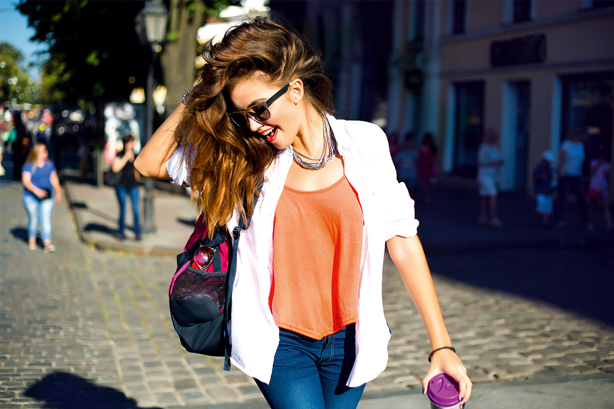 THE NEUTRAL TREND WITH A BLAZER